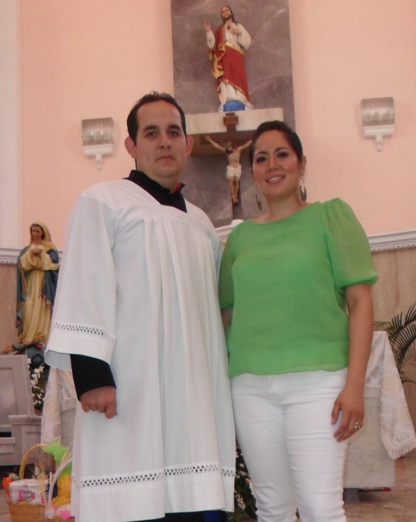 Seminarista Damian y Maestra Indira Montaño (organizadores)